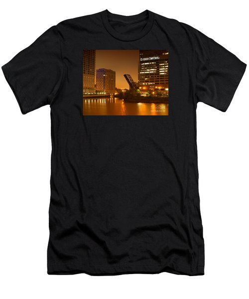 Chicago Men's T-Shirt (Athletic Fit)
