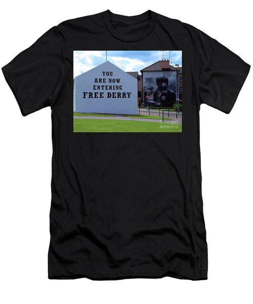 Free Derry Corner 3 Men's T-Shirt (Athletic Fit)