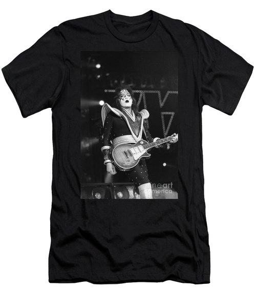 Kiss Men's T-Shirt (Athletic Fit)