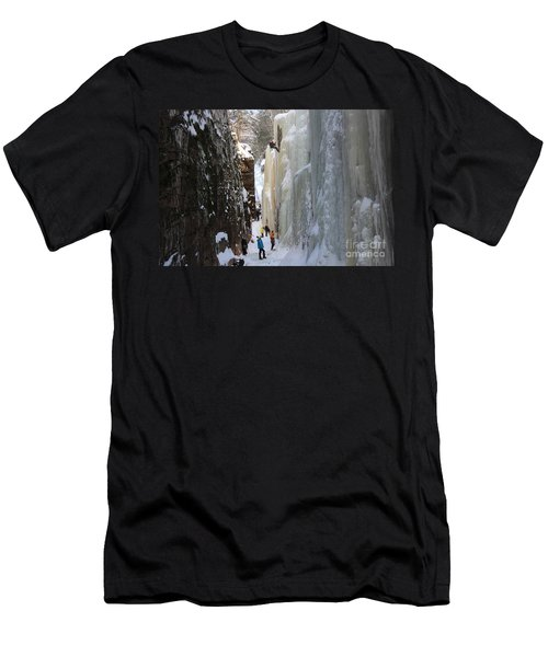 The Flume Gorge Nh Men's T-Shirt (Athletic Fit)