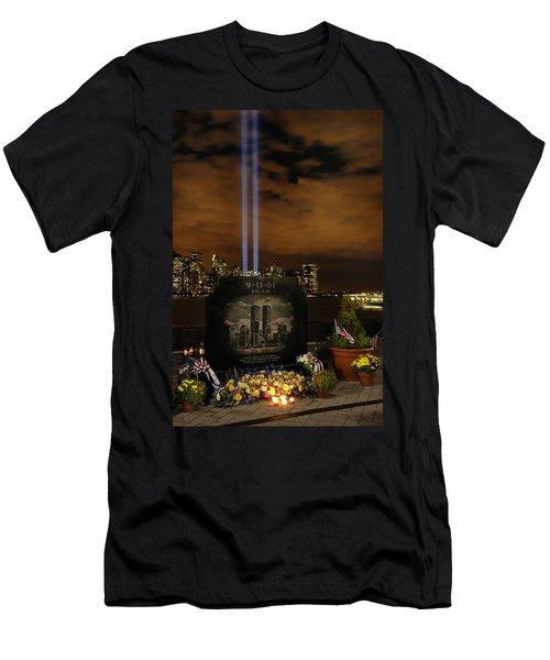9-11 Monument Men's T-Shirt (Athletic Fit)