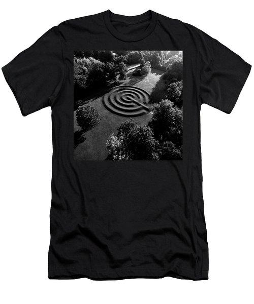 A Maze At The Chateau-sur-mer Men's T-Shirt (Athletic Fit)