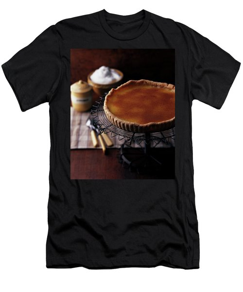 A Vinegar Pie On A Wire Stand Men's T-Shirt (Athletic Fit)