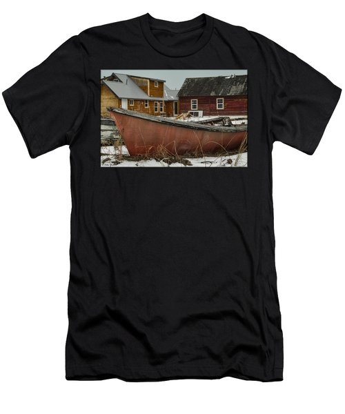 Abandoned Boat Men's T-Shirt (Athletic Fit)