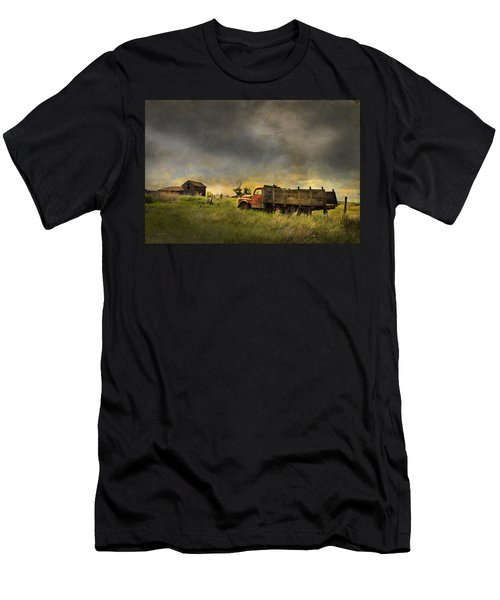Abandoned Farm Truck Men's T-Shirt (Athletic Fit)