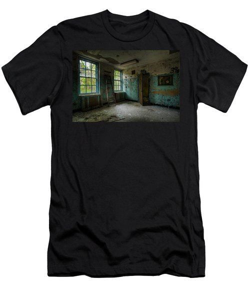 Abandoned Places - Asylum - Old Windows - Waiting Room Men's T-Shirt (Athletic Fit)