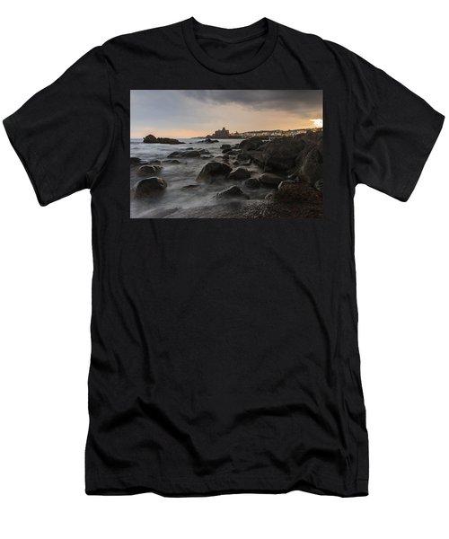 Acicastello Men's T-Shirt (Athletic Fit)