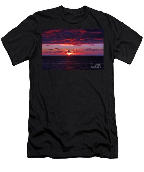 Alaskan Sunset Men's T-Shirt (Athletic Fit)