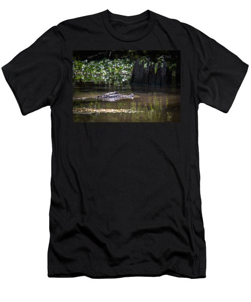 Alligator Swimming In Bayou 2 Men's T-Shirt (Athletic Fit)