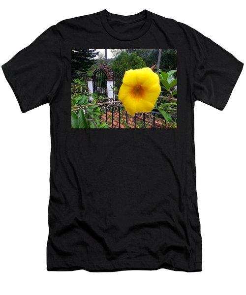 Amarillo La Flor Men's T-Shirt (Athletic Fit)