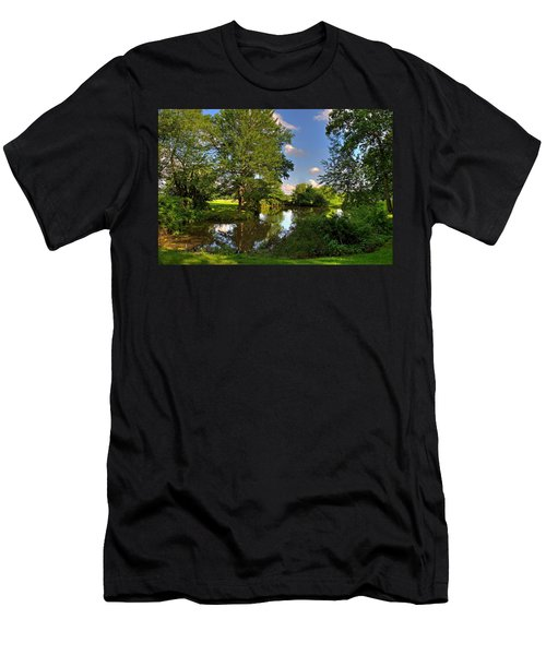 American Farm Pond Men's T-Shirt (Athletic Fit)