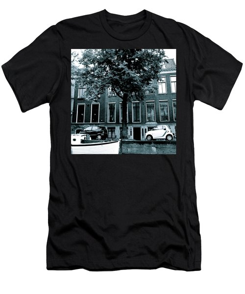 Amsterdam Electric Car Men's T-Shirt (Athletic Fit)