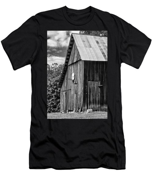 An American Barn Bw Men's T-Shirt (Athletic Fit)