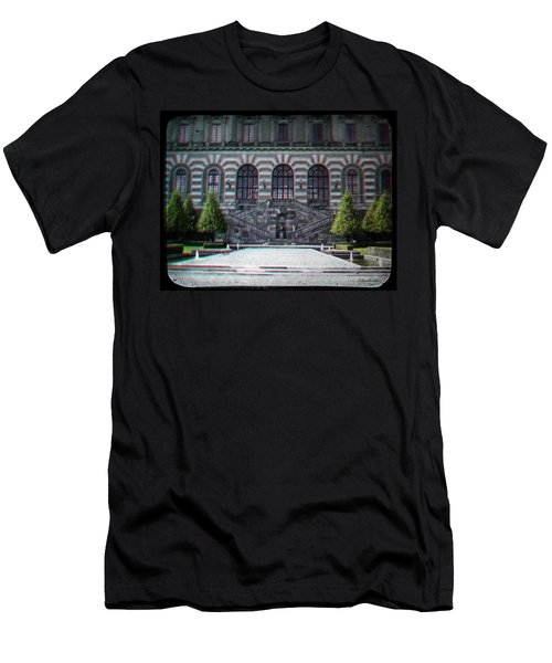 Anaglyph Garden Of The Royal Palace Men's T-Shirt (Athletic Fit)