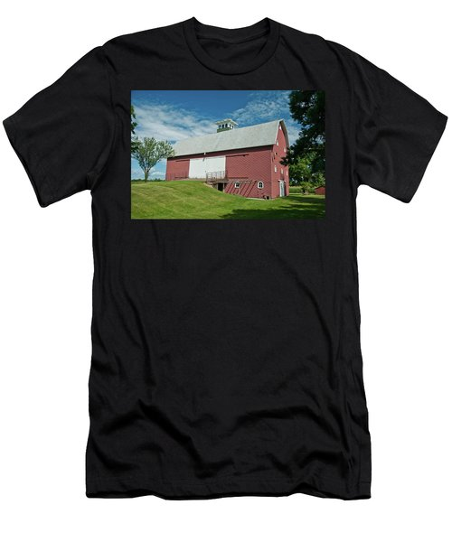 Men's T-Shirt (Slim Fit) featuring the photograph Babcock Barn 2263 by Guy Whiteley