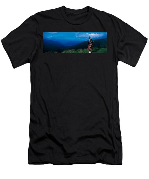 Bagpiper Scottish Highlands Scotland Men's T-Shirt (Athletic Fit)