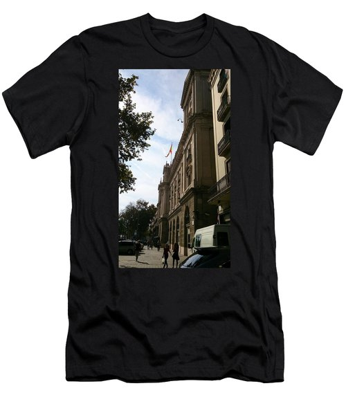 Barcelona Street Men's T-Shirt (Athletic Fit)
