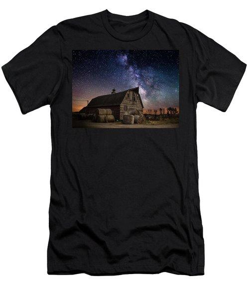 Barn Iv Men's T-Shirt (Athletic Fit)
