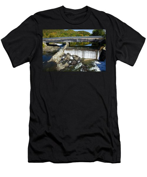 Bath Haverhill Covered Bridge In Autumn Men's T-Shirt (Athletic Fit)