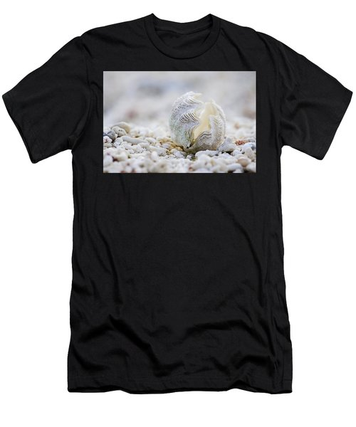 Beach Clam Men's T-Shirt (Athletic Fit)