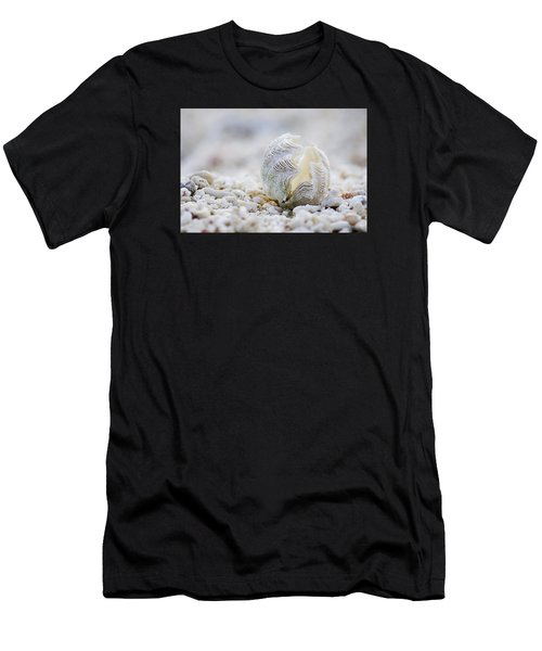 Beach Clam Men's T-Shirt (Athletic Fit)