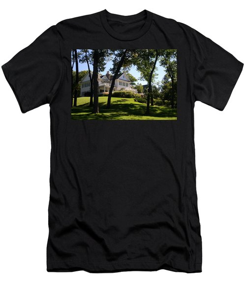 Beautiful Hillside Home Men's T-Shirt (Athletic Fit)