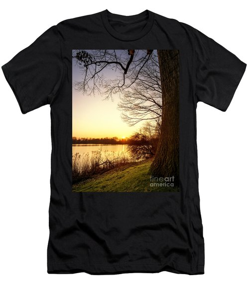 Beautiful Lake Men's T-Shirt (Athletic Fit)