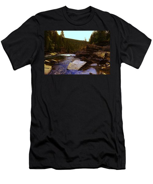 Beautiful Yak River Montana Men's T-Shirt (Athletic Fit)