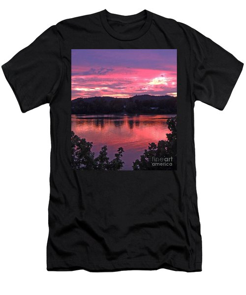 Beauty On The Ohio Men's T-Shirt (Athletic Fit)