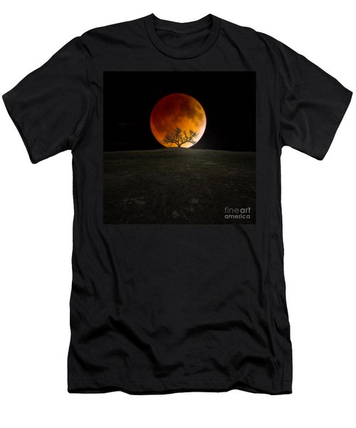 Blood Moon Men's T-Shirt (Athletic Fit)