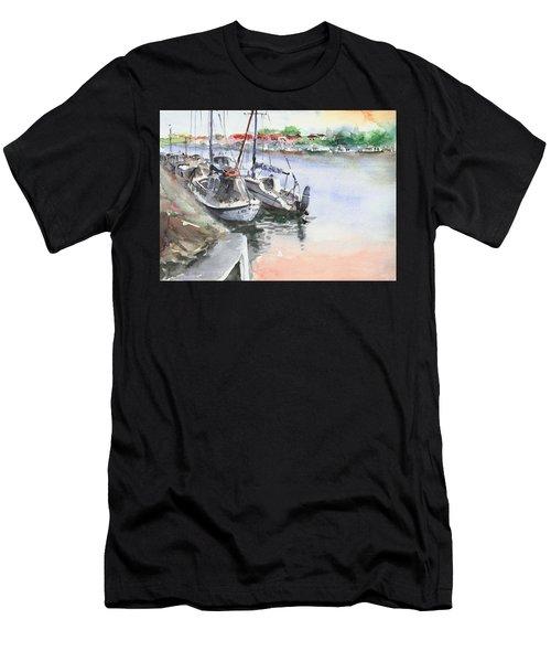 Boats Inshore Men's T-Shirt (Athletic Fit)