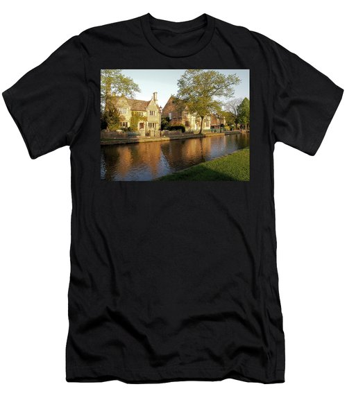Bourton On The Water Men's T-Shirt (Athletic Fit)