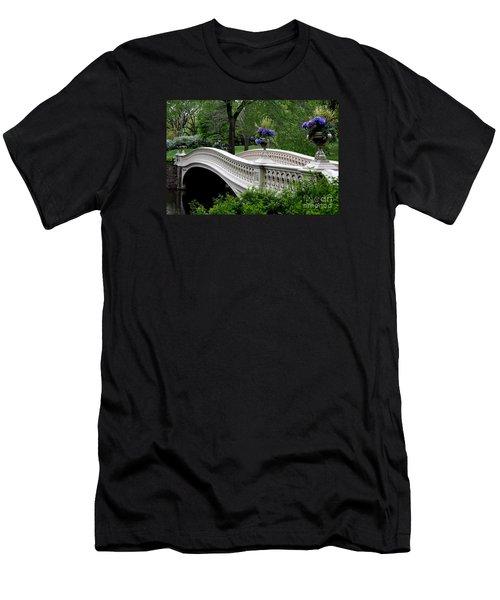 Bow Bridge Flower Pots - Central Park N Y C Men's T-Shirt (Slim Fit) by Christiane Schulze Art And Photography