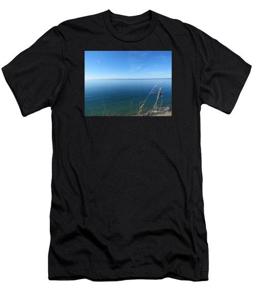 Breeze In Blue Men's T-Shirt (Athletic Fit)