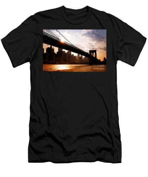 Brooklyn Bridge And Skyline Manhattan New York City Men's T-Shirt (Athletic Fit)