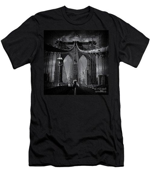 Brooklyn Bridge Up Close New York City Men's T-Shirt (Athletic Fit)