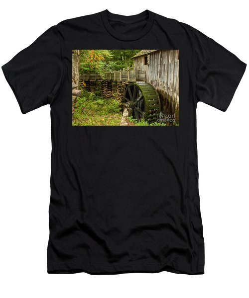 Cable Mill Cades Cove Men's T-Shirt (Athletic Fit)