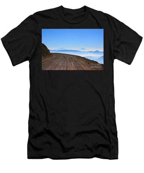 Camino En Volcan Nevado De Toluca Men's T-Shirt (Athletic Fit)