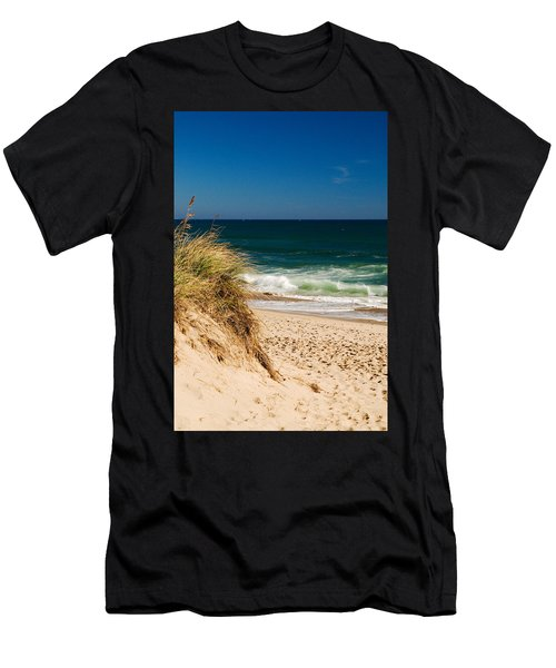 Cape Cod Massachusetts Beach Men's T-Shirt (Athletic Fit)