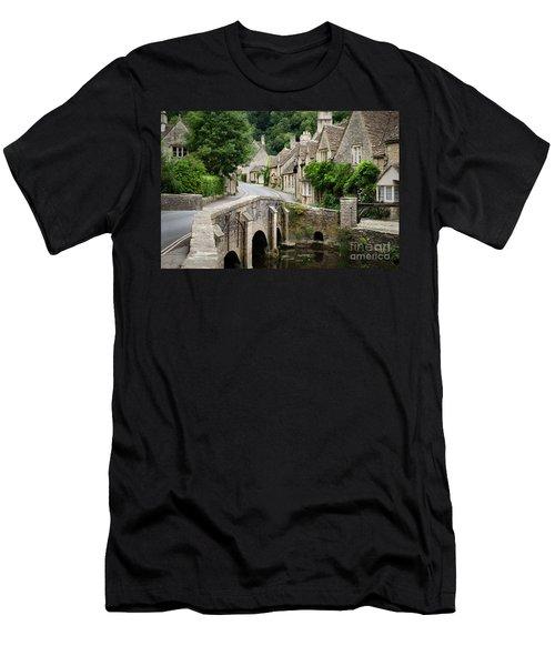 Castle Combe Cotswolds Village Men's T-Shirt (Athletic Fit)