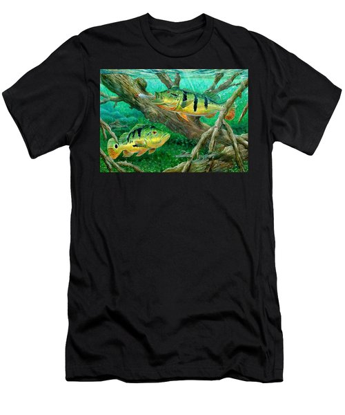 Catching Peacock Bass - Pavon Men's T-Shirt (Athletic Fit)