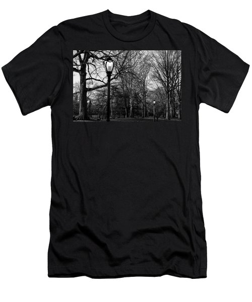Central Park Streetlamps In Black And White 2 Men's T-Shirt (Athletic Fit)