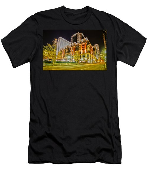 Charlotte City Skyline Night Scene Men's T-Shirt (Athletic Fit)