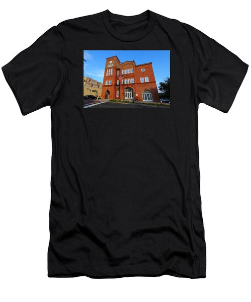 Chester City Hall Men's T-Shirt (Athletic Fit)