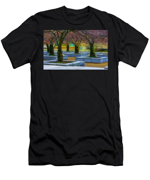 Chicago Art Institute South Garden Men's T-Shirt (Athletic Fit)