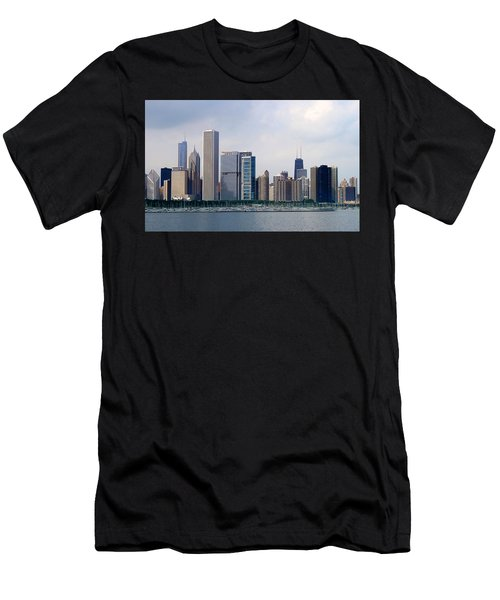 Chicago Panorama Men's T-Shirt (Athletic Fit)