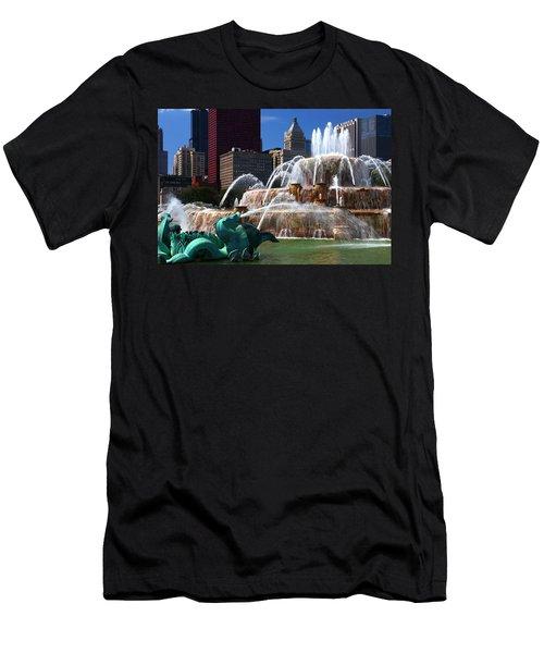 Chicago Skyline Grant Park Fountain Men's T-Shirt (Athletic Fit)
