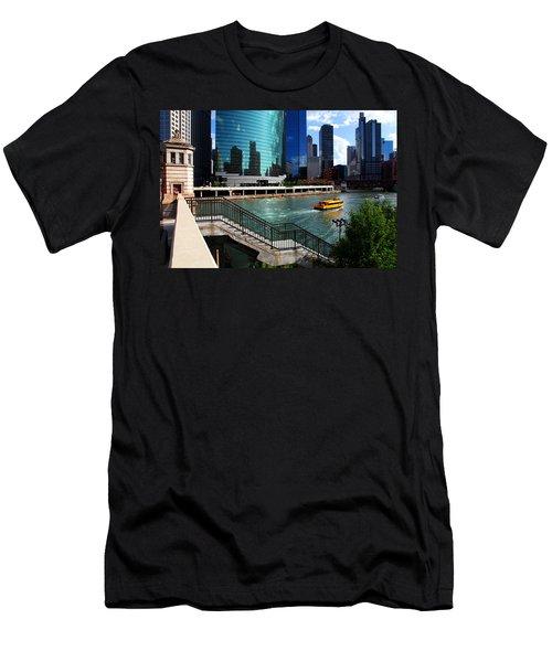 Chicago Skyline River Boat Men's T-Shirt (Athletic Fit)