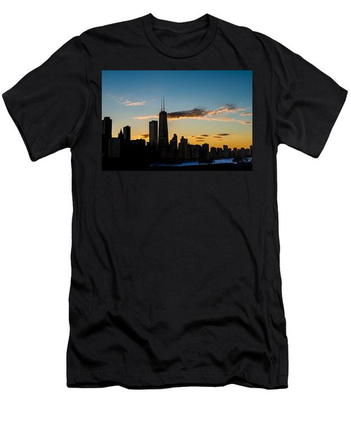 Chicago Skyline Silhouette Men's T-Shirt (Athletic Fit)