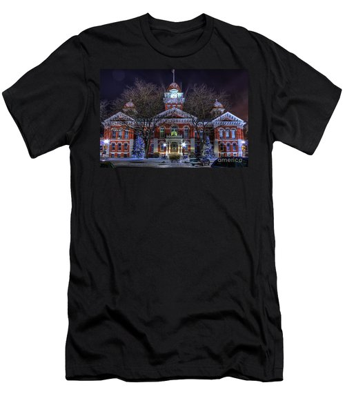 Christmas Courthouse Men's T-Shirt (Athletic Fit)